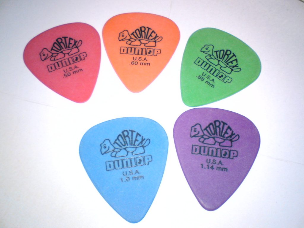 What Thickness Of Guitar Picks Is Best