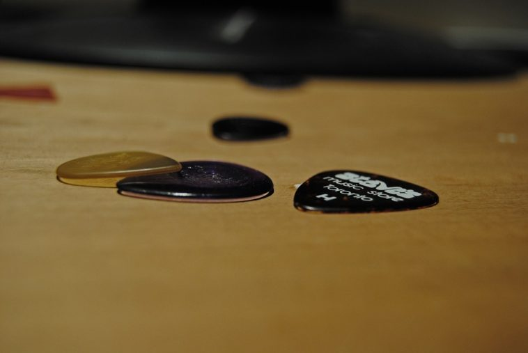 guitar picks for shredding