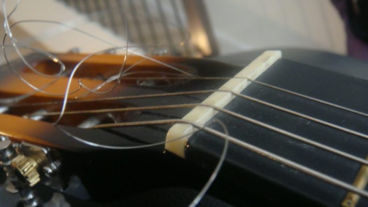 when change guitar strings