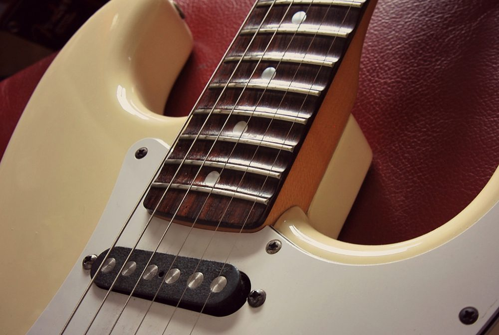 The Pros and Cons of Scalloped Fretboards
