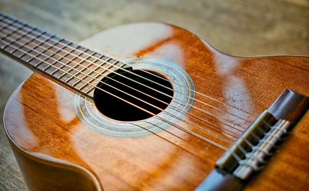 starter classical guitars